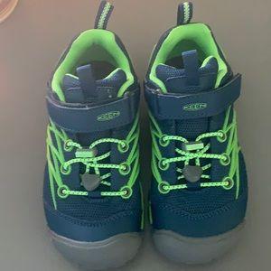 Boys Keen shoes!!!